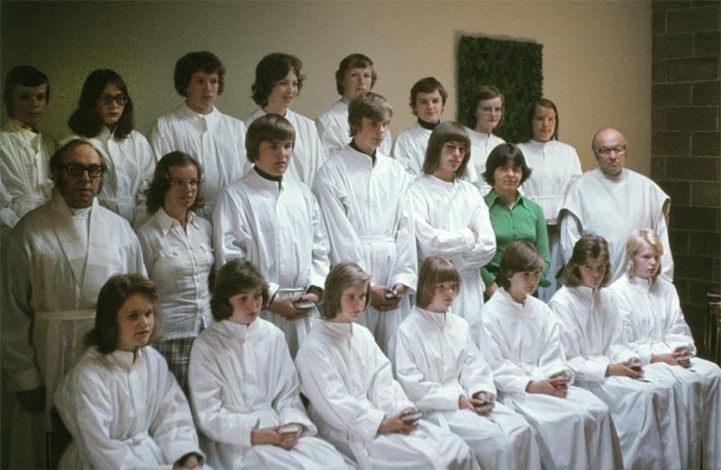 Bilden är från konfirmation i Brändö kyrka i juni 1975.