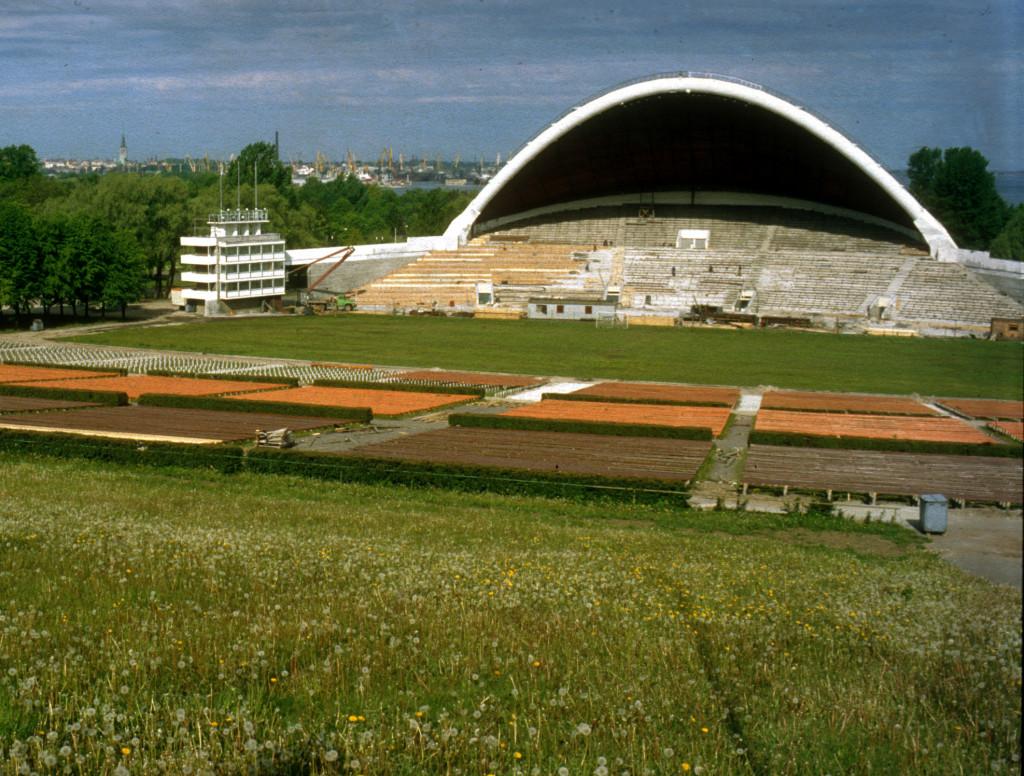 """Lauluväljak, sångarfältet med plats för 30.000 sångare på estraden, spelade en avgörande roll för Estlands """"sjungande revolution""""."""