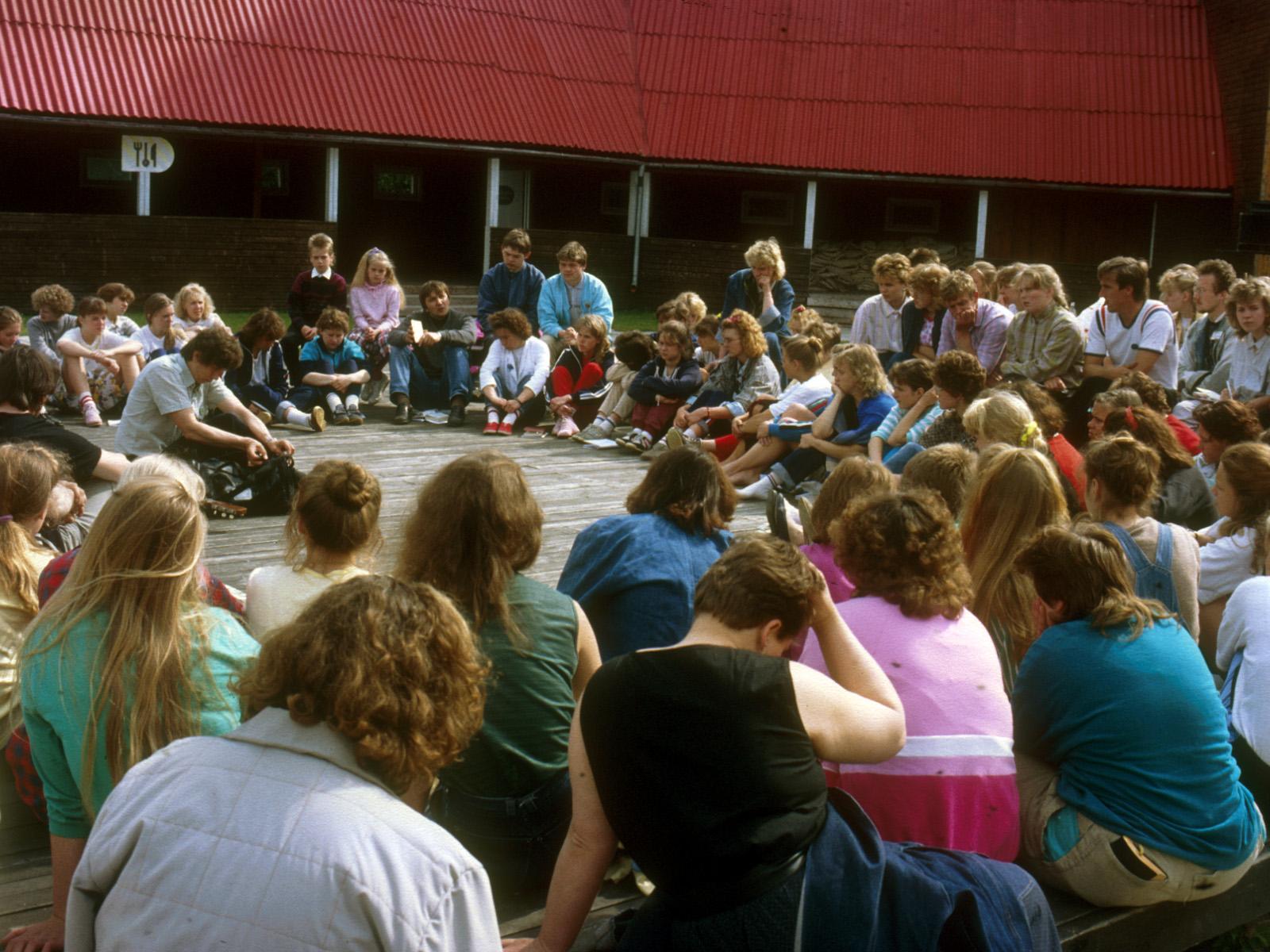 Ungdomar på läger i Viljandi 2.6.1990.